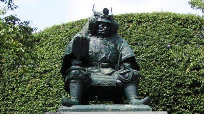 武田信玄(甲府駅)